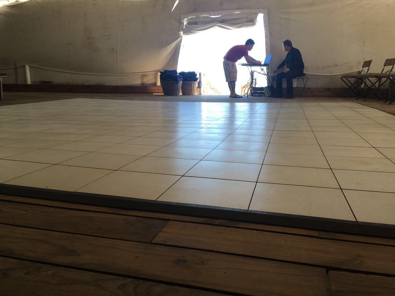 White Dance Floor | Strandkombuis Wedding i| Dance Floor Hire