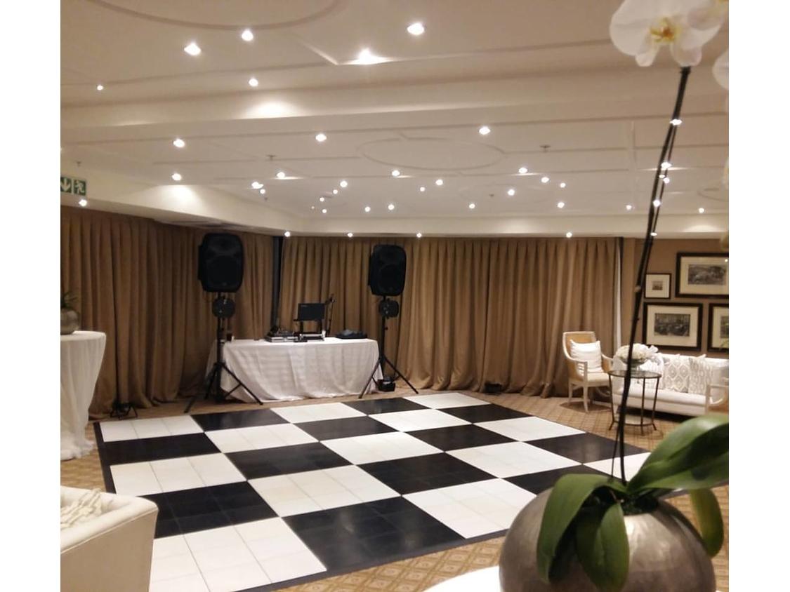 Dance Floor Hire | Checkered Dance Floor - 12 Apostles Hotel