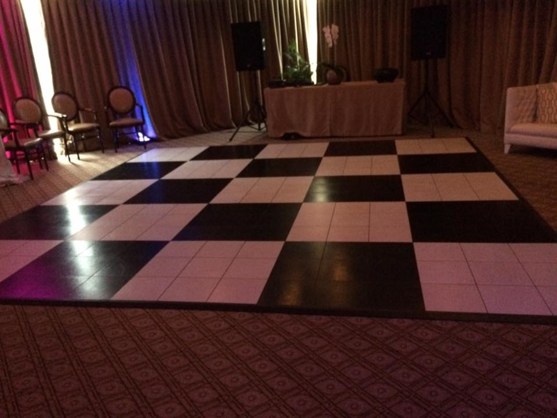 Dance Floor Hire | Black and White Checkered Dance Floor | 12 Apostels