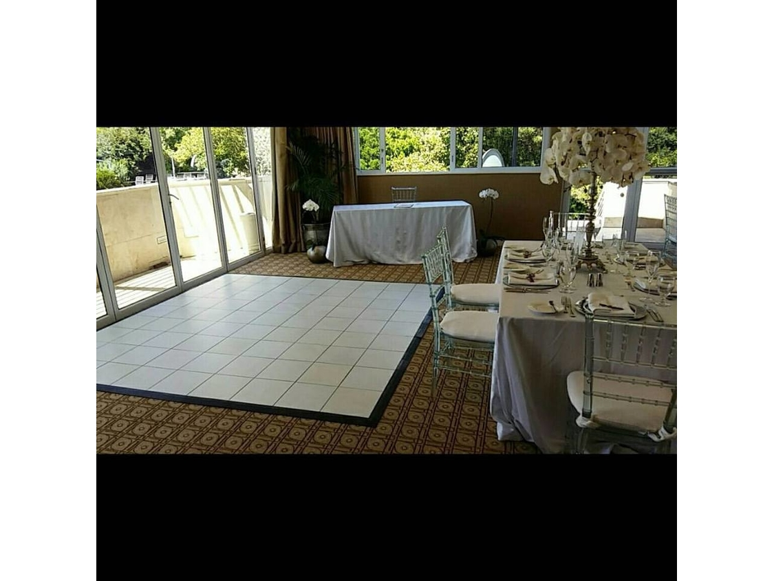 Dance Floor Hire | White Dance Floor - 12 Apostles Hotel